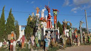 La casa de dios y el pueblo embrujado