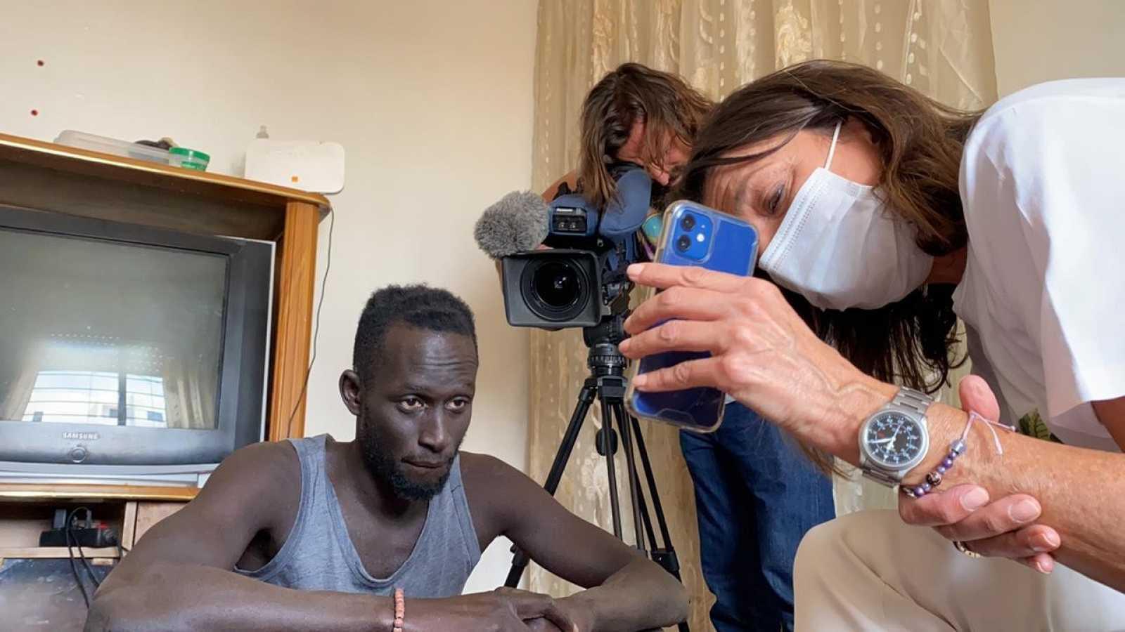 """La historia de Abdou, el senegalés que abrazó a Luna: """"Jamás podré olvidar su gesto"""""""