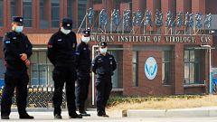 China arremete contra EE.UU. por investigar si la COVID-19 salió del laboratorio de Wuhan
