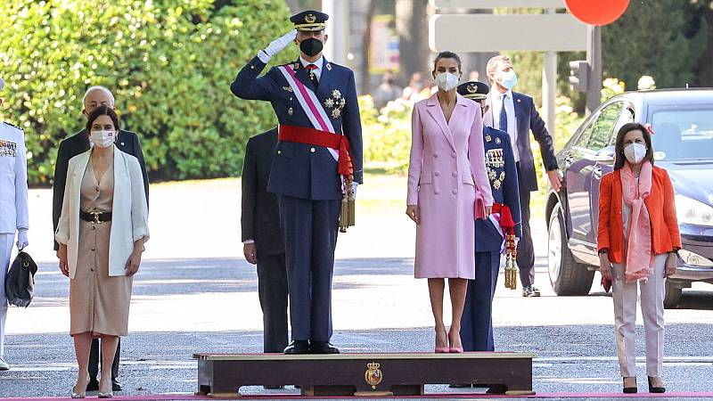 Los reyes presiden en Madrid el Día de las Fuerzas Armadas