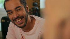 """Un país para reírlo - Aaron Gómez: """"El humor es un lenguaje con muchos acentos"""""""