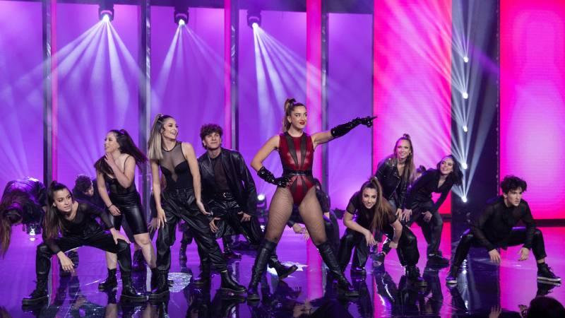 """The Dancer - Actuación """"Esencia"""" de D'oo wap con Lola Indigo"""