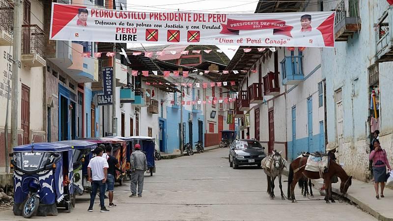 Video | Las encuestas auguran un ajustado resultado en las elecciones de Perú