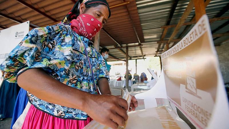 La votación en México se produce con normalidad, aunque con incidencias aisladas