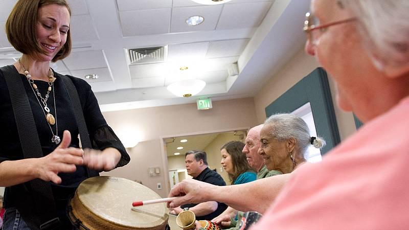 EE. UU. aprueba el primer tratamiento contra el Alzheimer desde 2003