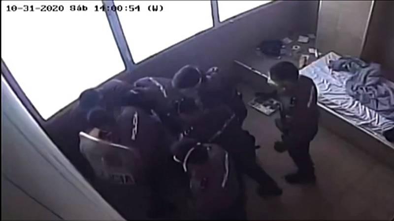 La ONG Irídia denuncia un presunto abuso policial en un CIE de Barcelona