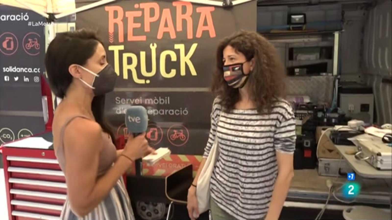 Anem cap al barri de Gràcia de Barcelonaper conèixer la Reparatruck, un servei mòbil d'autoreparació que va visitant barris i pobles fomentant la reducció de residus i la sensibilització ambiental.