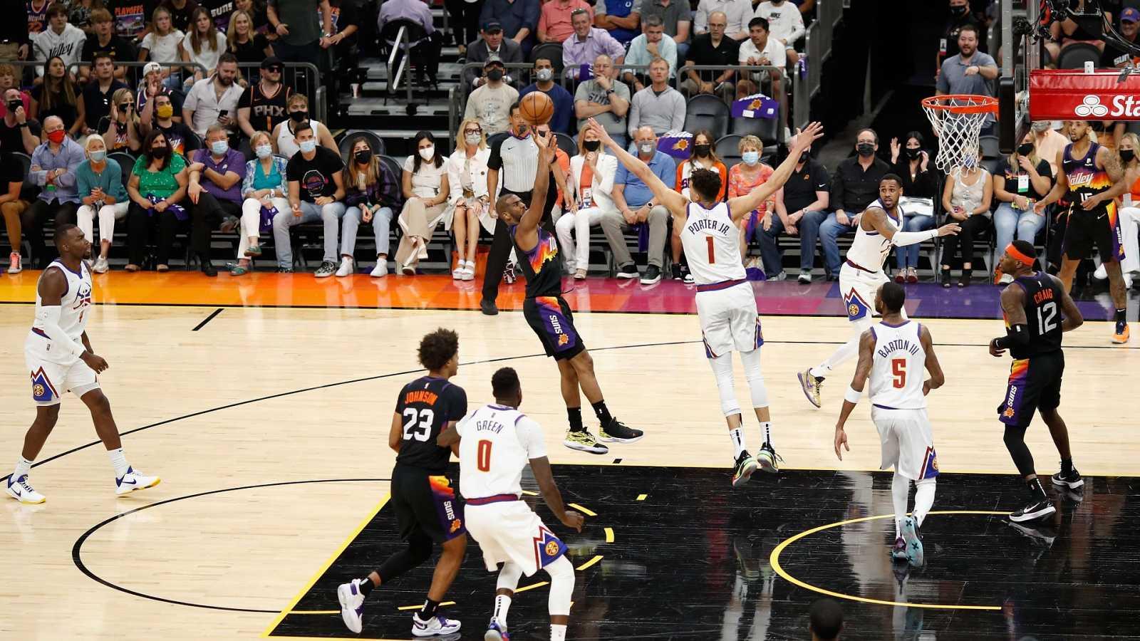 NBA: Phoenix arrasa a Denver por 123-98 en el segundo patido de semifinales de conferencia