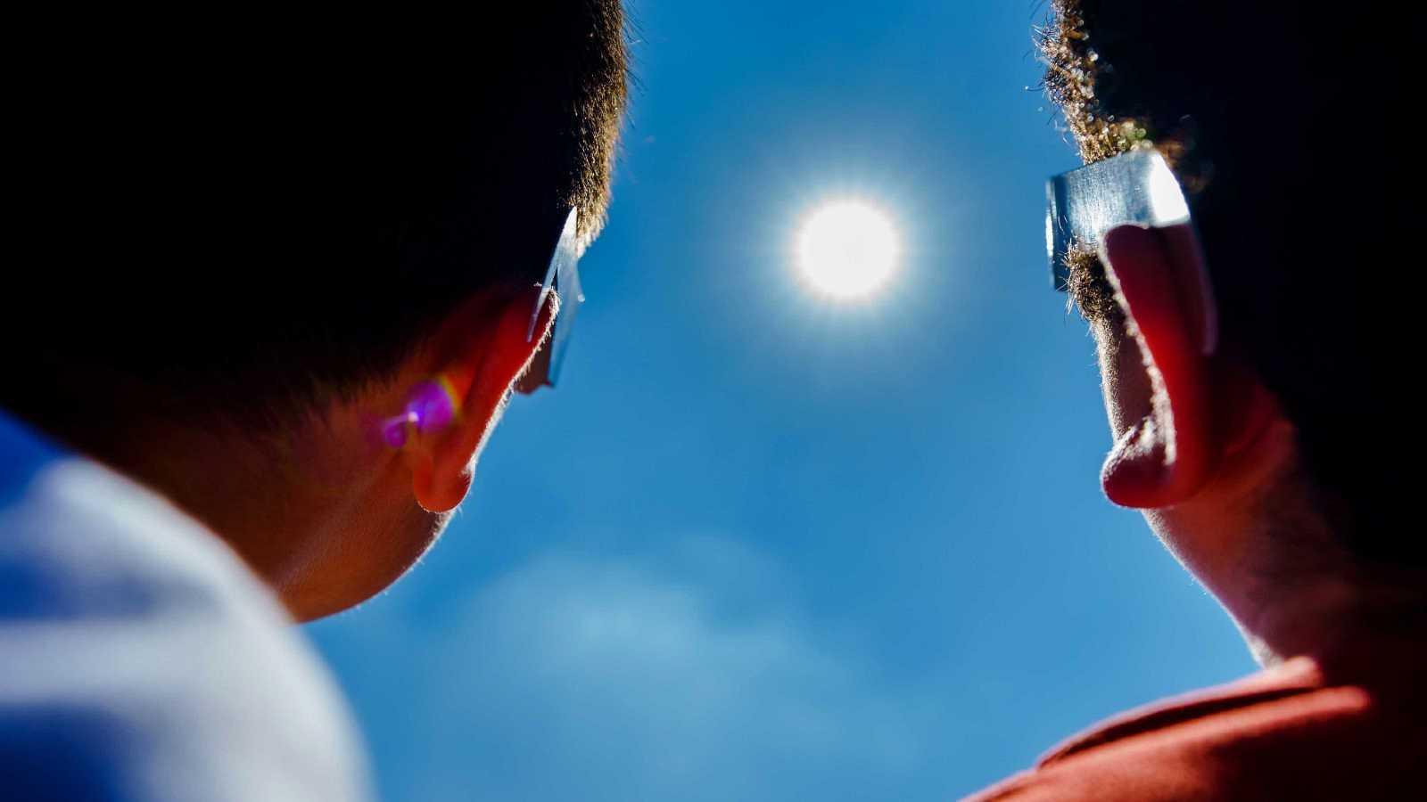 Así se ha visto el eclipse anular de Sol desde España