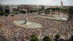 """Manifestación en Colón contra los indultos a los líderes del 'procés' al grito de """"basta ya"""""""