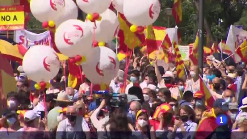 Unes 25.000 persones clamen a Colón contra els indults