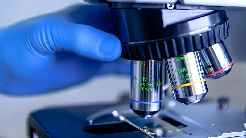 ¿Cómo se escapa un virus de un laboratorio?