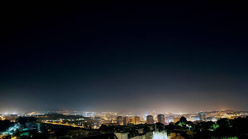 Los cielos estrellados son cada vez menos visibles desde las ciudades debido a la contaminación lumínica