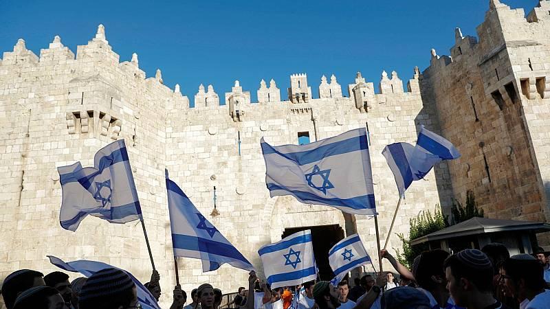 Gaza responde con globos incendiarios a la conmemoración de la conquista de Jerusalén Este