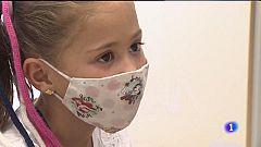 25 niños sevillanos participan en un estudio mundial para la vacunación COVID-19 en menores