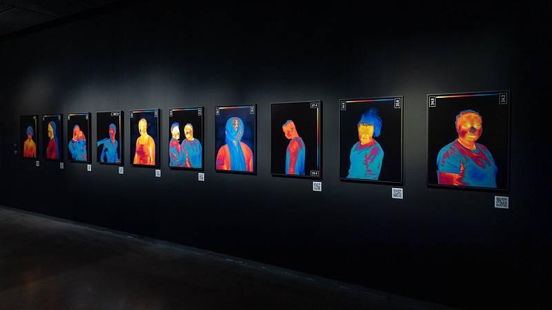 Una exposición explora las distintas facetas del color