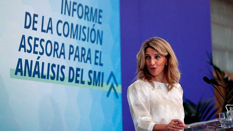La comisión de expertos aconseja al Gobierno subir el SMI entre 12 y 19 euros este año