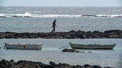 Un desaparecido y cuatro fallecidos, entre ellos un niño y una embarazada, tras el naufragio de dos pateras en la costa de Lanzarote