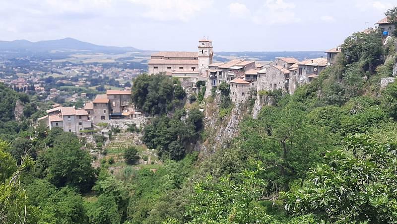 La mula, la alternativa al coche en el pueblo italiano de Artena