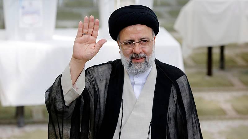 El clérigo ultraconservador Raisí gana las presidenciales de Irán