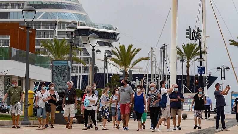 Atraca en Cartagena el Mein Schiff 2, el primer crucero tras quince meses de pandemia