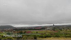Precipitaciones localmente fuertes o persistentes en el oeste de Galicia, y de madrugada en el área Pirenaica. Intervalos de viento fuerte en el litoral de Galicia