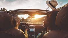 En pareja, a una playa de España, con coche y durante agosto: así viajaremos este verano