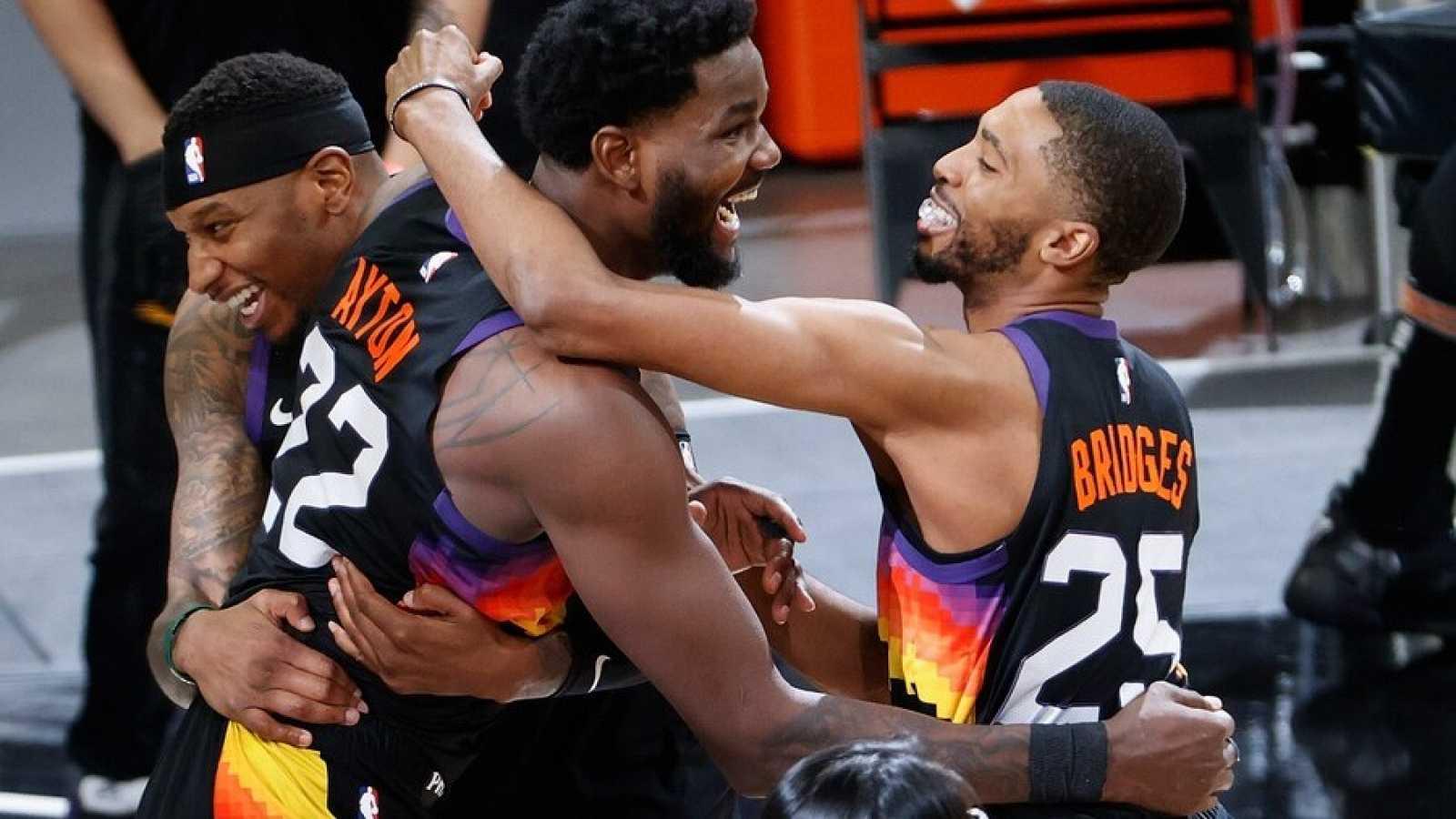Los Suns toman ventaja de 2-0 ante los Clippers