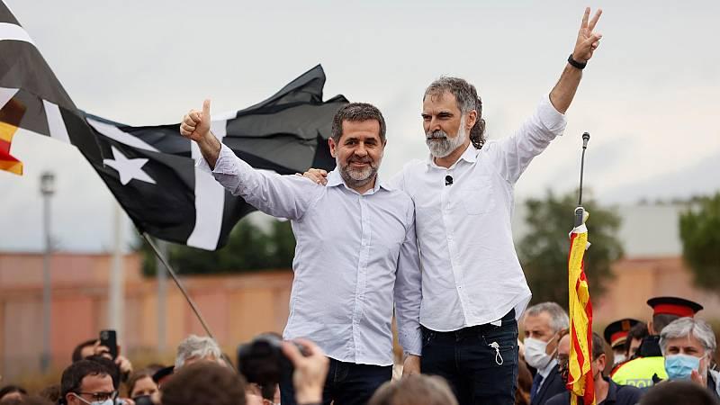 """Los Jordis, a su salida de la cárcel: """"No existe indulto que haga callar al pueblo de Cataluña"""""""