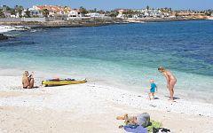 Canarias alerta de que los altos precios de los vuelos ponen en peligro el turismo nacional