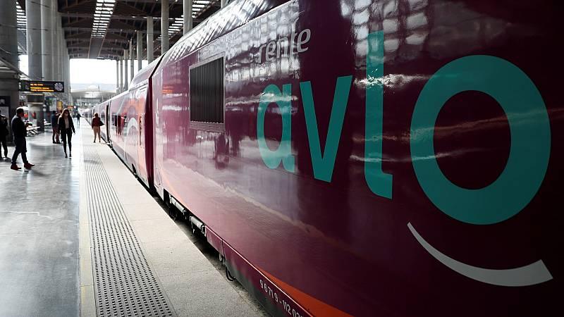 Primer viaje del Avlo, el servicio de bajo coste de Renfe que conecta Madrid y Barcelona