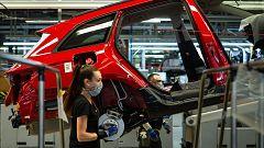 La escasez de microchips provoca un parón en la producción de los coches