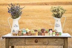 Aquí la Tierra - En Navarra nos enseñan a elaborar jabón artesanal de hierbas aromáticas