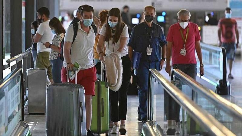 El macrobrote de Mallorca deja ya más de 300 contagios y 2.000 aislados en al menos seis comunidades