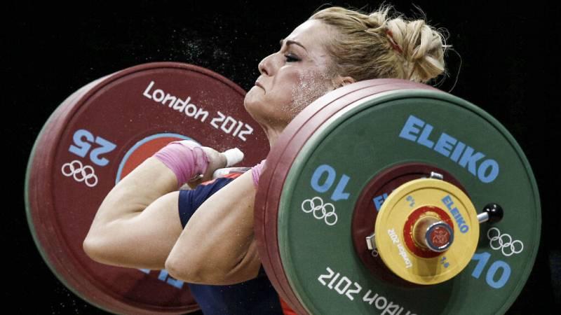 Lydia Valentín no pudo subirse al podio, pero el dopaje de sus contrincantes derivó en oro para Lidia