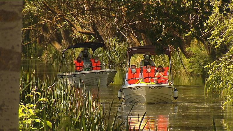 En marcha las embarcaciones turísticas del Canal de Castilla