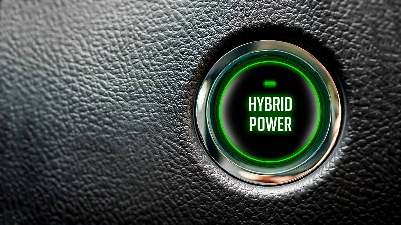 Los coches híbridos duplican sus ventas y ya superan a los diésel