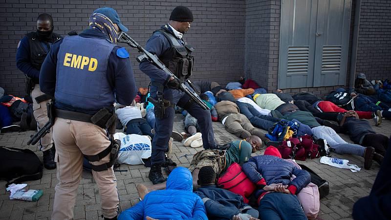 Disturbios y saqueos en Sudáfrica tras la detención del expresidente Zuma