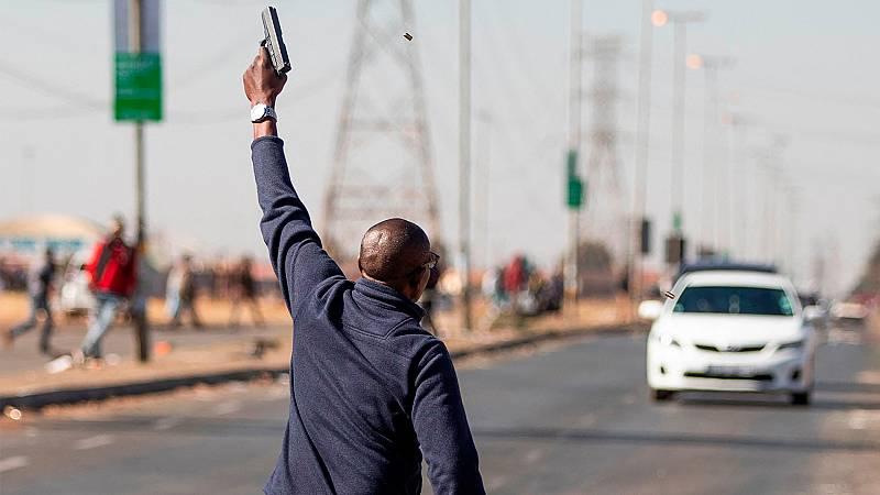 Los graves disturbios y protestas continúan asolando Sudáfrica