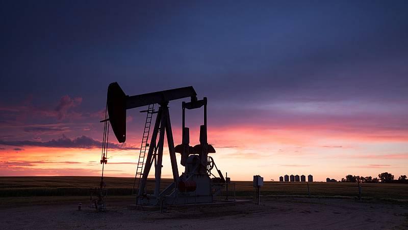 Los mercados siguen pendientes del acuerdo de la OPEP para producir más petroleo y frenar la subida del carburante