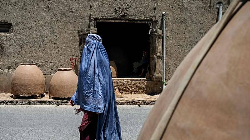 El avance de los talibanes en Afganistán, un riesgo para los derechos de la mujer