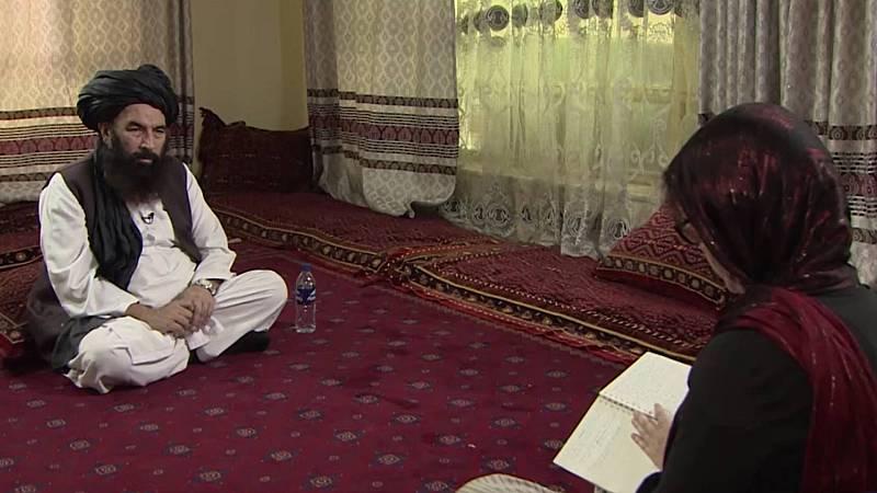 TVE habla en Afganistán con un exlíder de los talibanes y con una de las pocas mujeres que negocia con ellos
