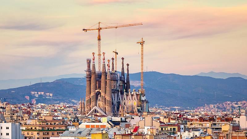 Últimos pasos para completar la torre más alta de la Sagrada Familia: subimos a la torre de María
