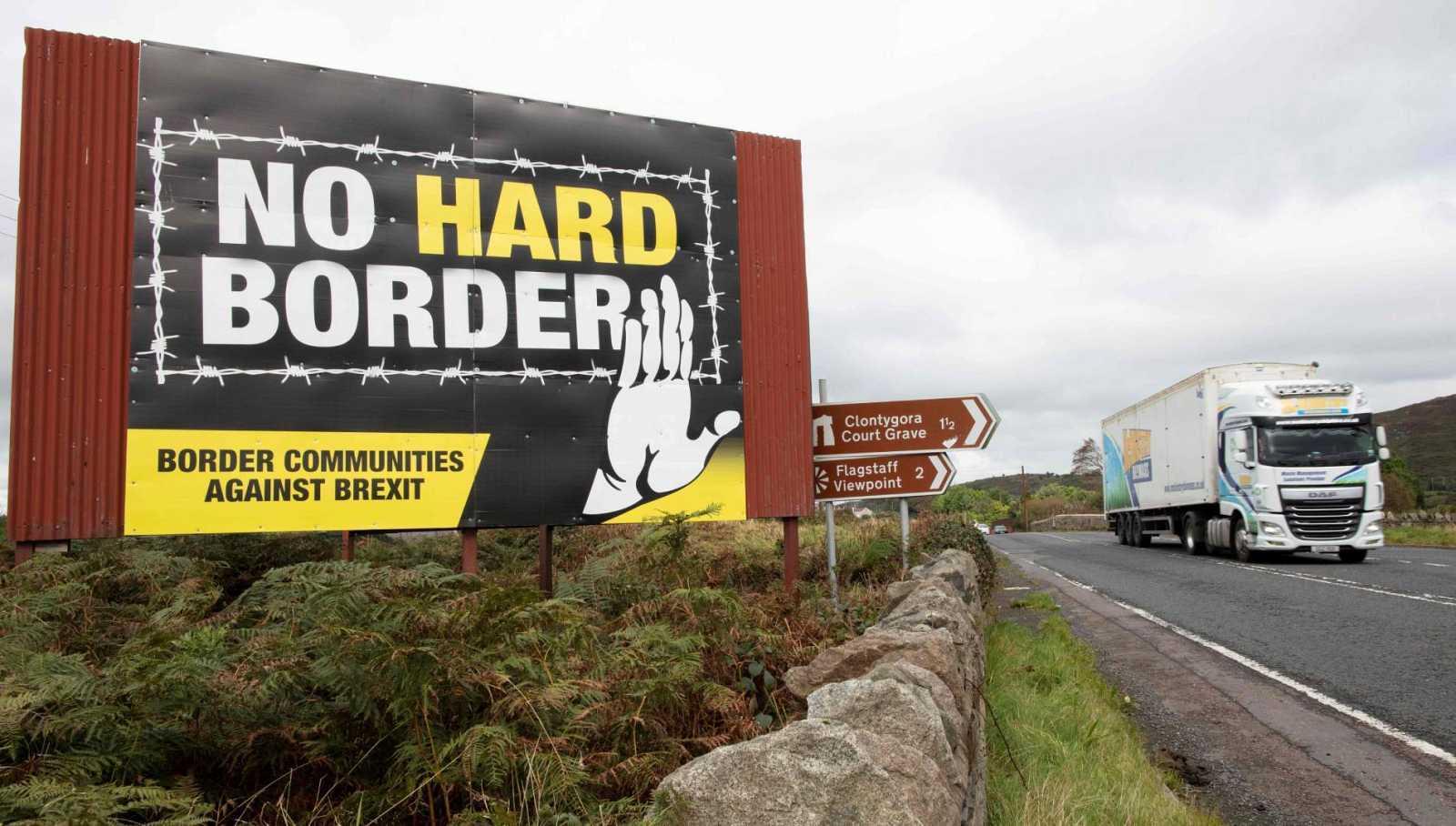 """Londres presiona a la UE para introducir """"cambios significativos"""" en el protocolo norirlandés del Brexit"""