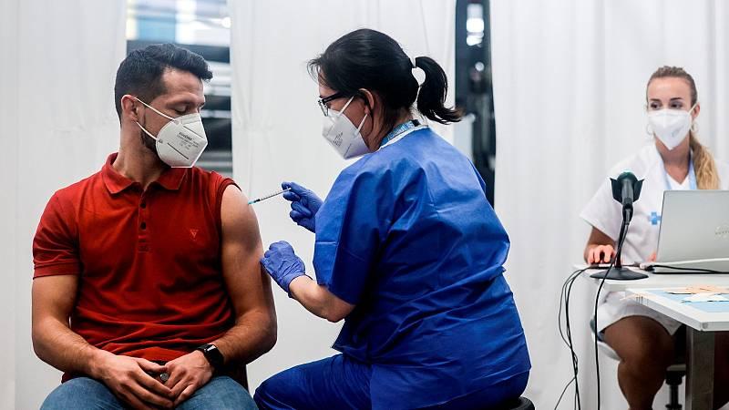 Sanidad abre la puerta a una tercera dosis de refuerzo de la vacuna del coronavirus