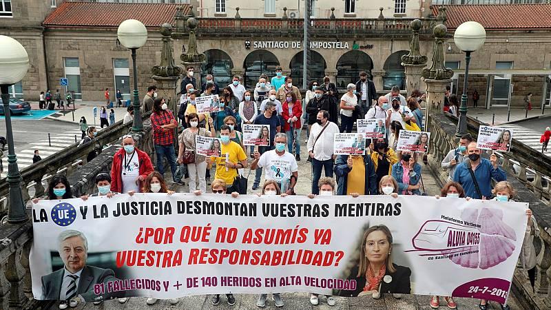 """Las víctimas del accidente de tren en Santiago reclaman justicia cuando se cumplen 8 años """"de ocultación y mentiras"""""""