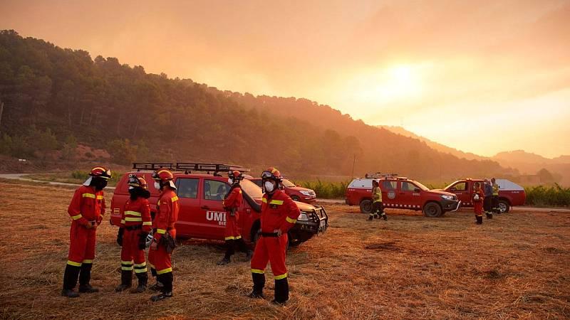 Tres incendios sin control arrasan unas 5.000 hectáreas en Tarragona, Huelva y Albacete