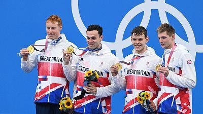 Gran Bretaña gana el oro en 4x200 relevos y roza el récord mundial