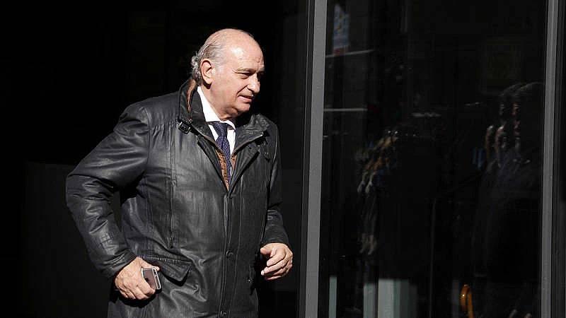 El juez procesa a Fernández Díaz y su cúpula por el espionaje a Bárcenas