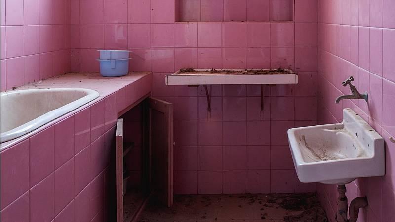 Cámara abierta - Los lugares abandonados fotografiados por Laura Tomé; la lista musical de Martín Milone; y el Cine Embajadores  - ver ahora
